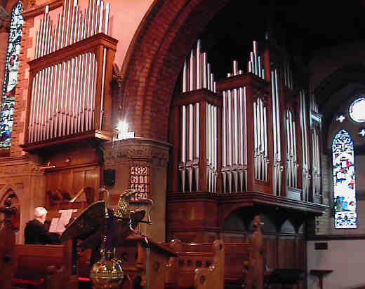 Picture of the Organ, showing lots of pipes